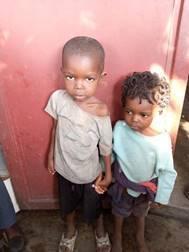 Ein Bild, das Kind, Person, klein, drinnen enthält.  Automatisch generierte Beschreibung